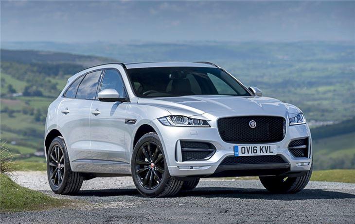 Jaguar f pace 2016 car review honest john for Interieur jaguar f pace