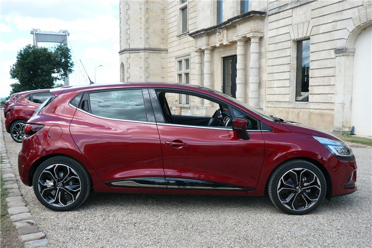 Renault Clio Dci 110 And Tce 120 2016 Road Test Road