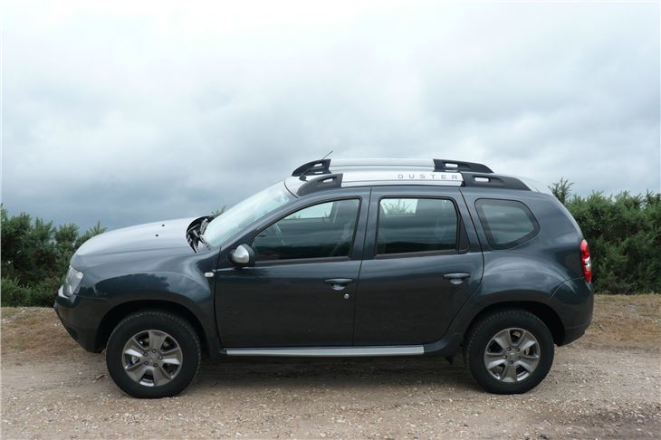 Dacia duster laureate tce 125 2016 road test road tests for Dacia duster specifications