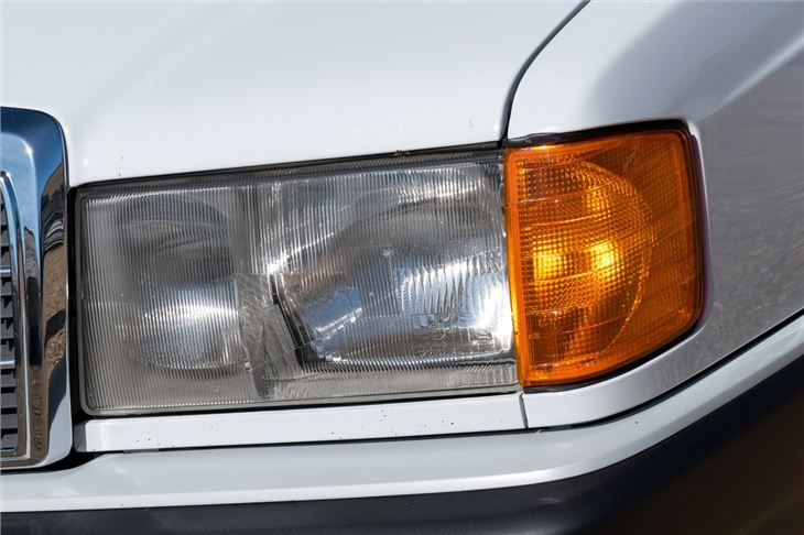 Mercedes benz 190 w201 classic car review honest john for Mercedes benz 700 series price