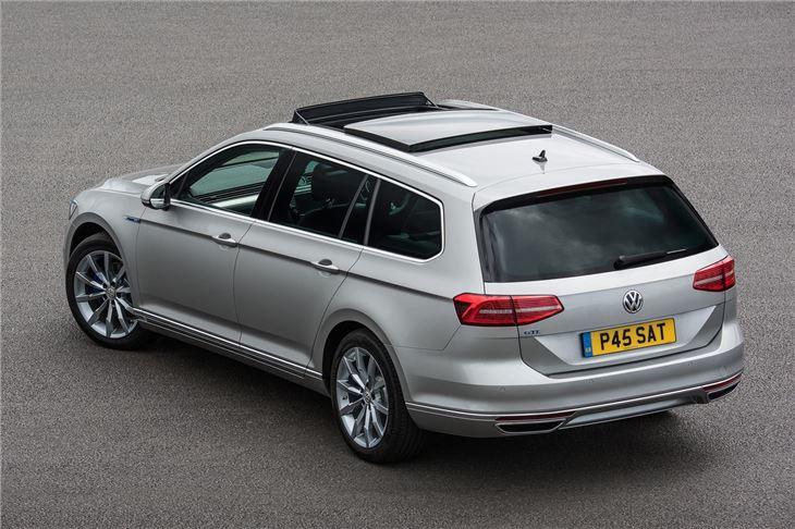 Volkswagen Passat Gte 2015 Car Review Honest John