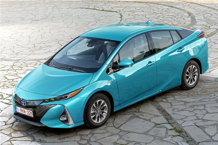 toyota prius plug in 2017 road test road tests honest john. Black Bedroom Furniture Sets. Home Design Ideas