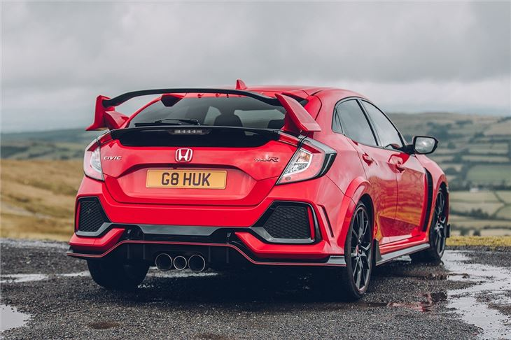 Honda civic type r 2017 car review honest john - 2017 honda civic type r interior ...