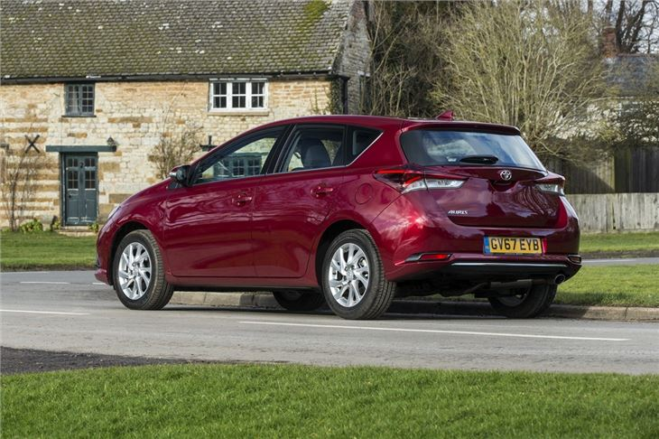 Toyota Auris 2013 - Car Review   Honest John