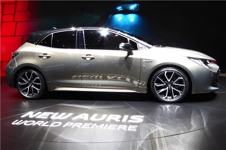 Toyota Auris 2019 - Car Review | Honest John