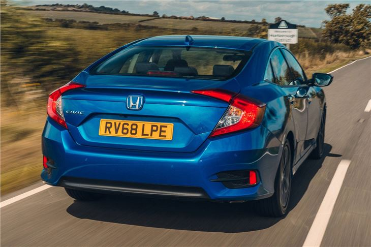 honda civic saloon   dtec sr  road test road tests honest john