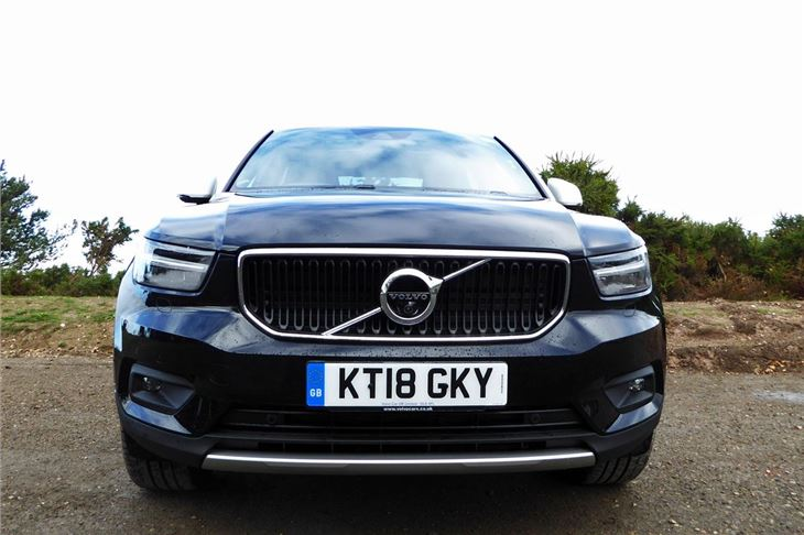 volvo xc40 t3 momentum 2018 road test road tests. Black Bedroom Furniture Sets. Home Design Ideas