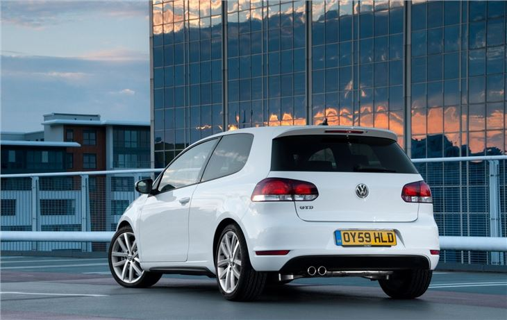 Volkswagen Golf VI 2009 - Car Review | Honest John