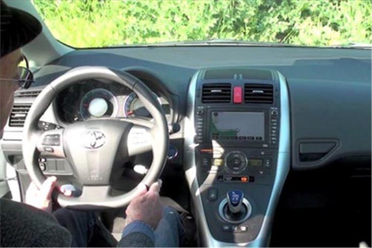 Toyota Auris Hybrid 2010 Road Test Road Tests Honest John