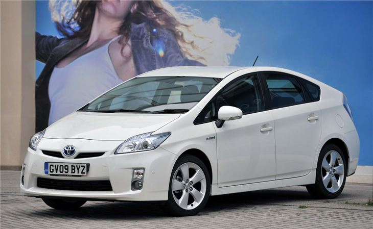 toyota prius 2009 car review honest john. Black Bedroom Furniture Sets. Home Design Ideas
