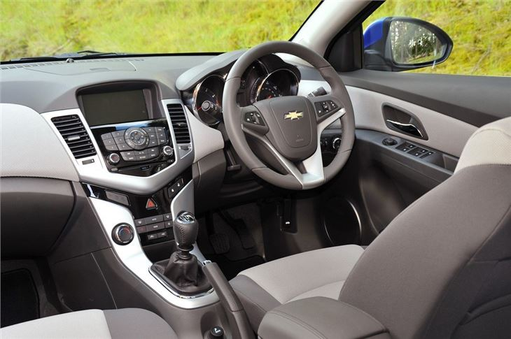 Chevrolet Cruze 2009 Car Review Interior Honest John