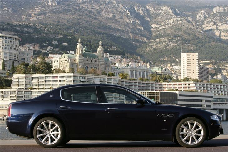 https://images.honestjohn.co.uk/imagecache/file/fit/730x700/media/3403079/Maserati~Quattroporte~(10).jpg
