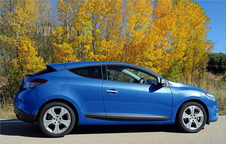 renault megane coupe 2009 car review honest john. Black Bedroom Furniture Sets. Home Design Ideas