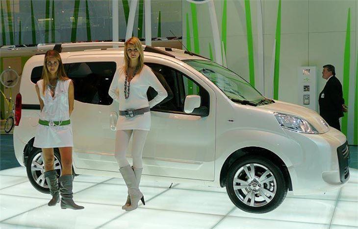 Fiat Qubo 1 3 Multijet Dualogic 2009 Road Test Road