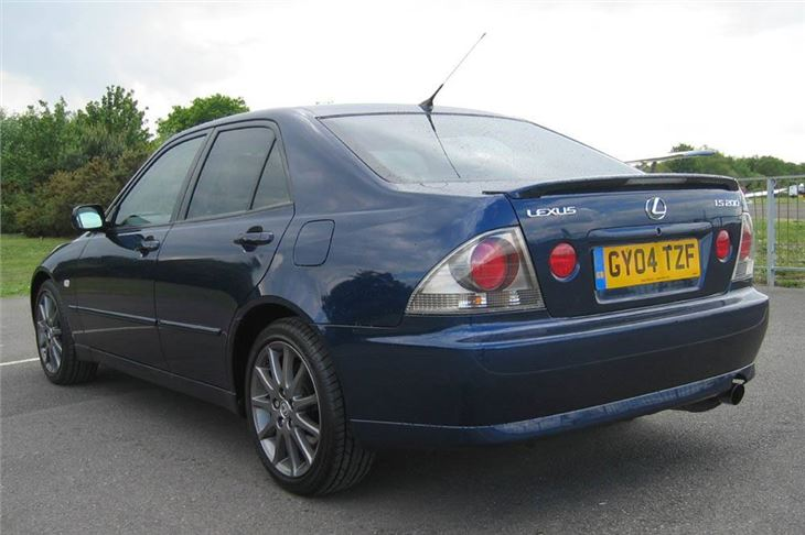 Lexus Is 200 >> Lexus Is 200 Sport 2004 Road Test Road Tests Honest John