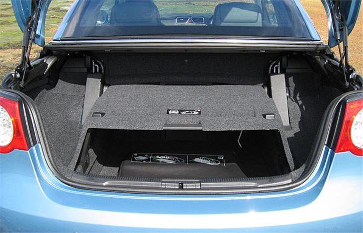volkswagen eos 2 0tfsi 2006 road test road tests. Black Bedroom Furniture Sets. Home Design Ideas