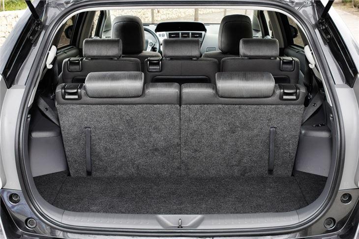 toyota prius 2012 car review honest john. Black Bedroom Furniture Sets. Home Design Ideas