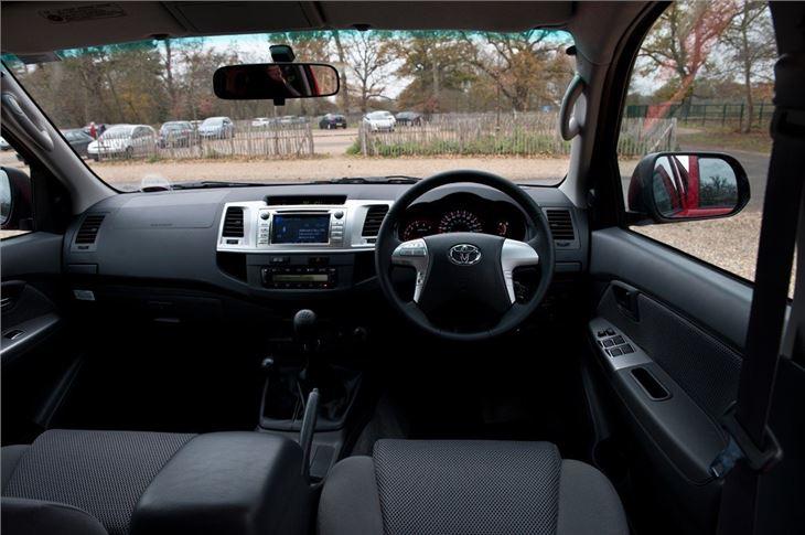 Volkswagen Amarok 2017 >> Toyota Hilux 2005 - Van Review | Honest John