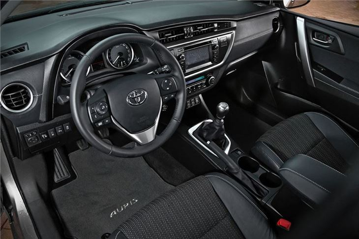 Toyota Auris 2013 Road Test | Road Tests | Honest John