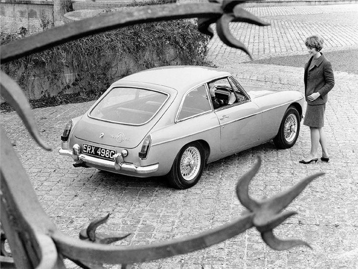 MG MGB - Classic Car Review | Honest John