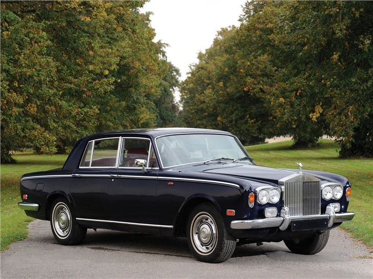rolls royce silver shadow silver wraith classic car review honest john. Black Bedroom Furniture Sets. Home Design Ideas