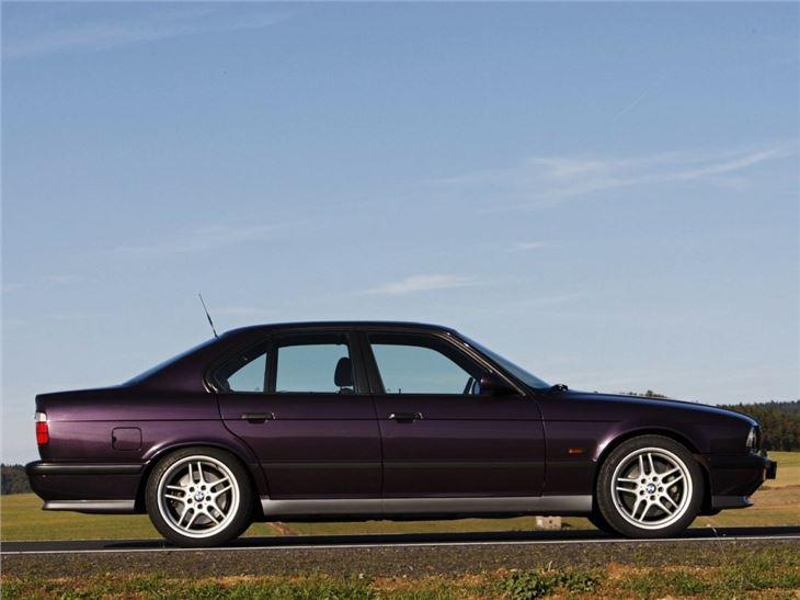 BMW M5 (E34) - Classic Car Review | Honest John