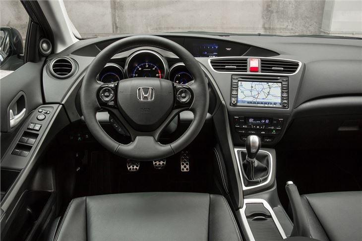 Crv 2017 Interior >> Honda Civic Tourer 2014 - Car Review | Honest John