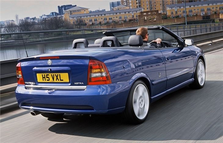 vauxhall astra g coupe convertible 2000 car review. Black Bedroom Furniture Sets. Home Design Ideas