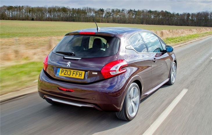 Peugeot 208 2012 - Car Review