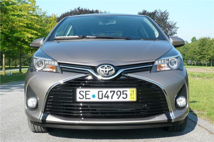 toyota yaris 2014 revamp road test road tests honest john. Black Bedroom Furniture Sets. Home Design Ideas