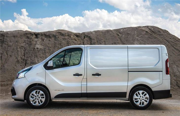 renault trafic 2014 van review honest john. Black Bedroom Furniture Sets. Home Design Ideas
