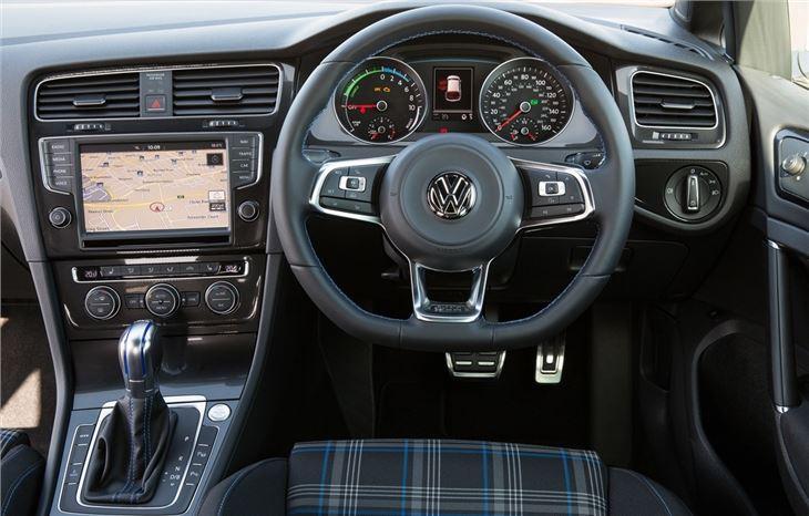 volkswagen golf gte 2015 car review interior honest john. Black Bedroom Furniture Sets. Home Design Ideas