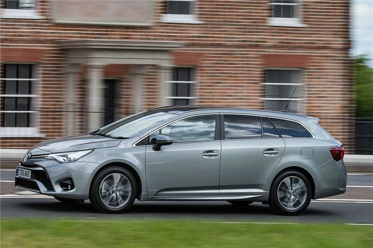 Toyota Avensis Touring Sports 2 0 D 4d 2015 Road Test