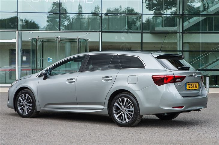 Toyota Avensis Touring Sports 2 0 D 4d 2015 Road Test Road Tests Honest John