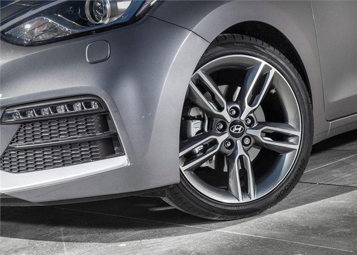 Hyundai i30 Turbo 2015 Road Test | Road Tests | Honest John