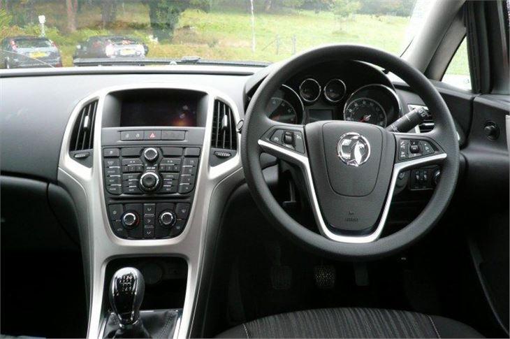 Vauxhall Astra 2010 Road Test | Road Tests | Honest John