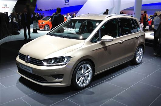 volkswagen sportsvan is the next golf plus motoring. Black Bedroom Furniture Sets. Home Design Ideas