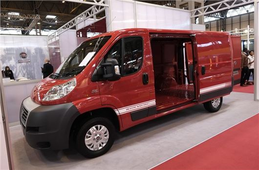 cv show 2014 fiat launches sportivo trim honest john. Black Bedroom Furniture Sets. Home Design Ideas