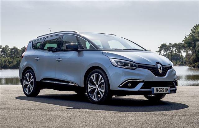 Renault Grand Scenic dCi 160 2016 Road Test | Road Tests ...