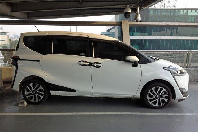 Toyota Sienta 2015 Car Review Honest John