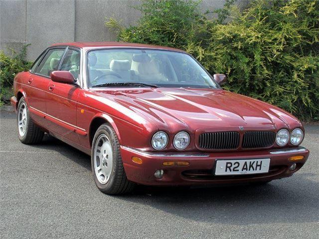 Jaguar XJ (1997   2003)