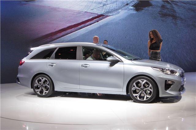 kia ceed sportswagon 2018 car review specifications. Black Bedroom Furniture Sets. Home Design Ideas