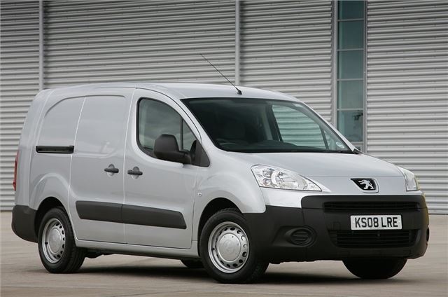 9a5954173acd7e Top 10  Small used vans for sale under £5000