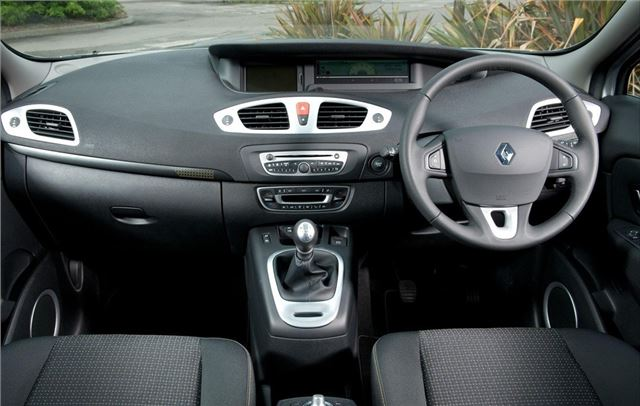 Renault Scenic 2009 - Car Review - Interior | Honest John