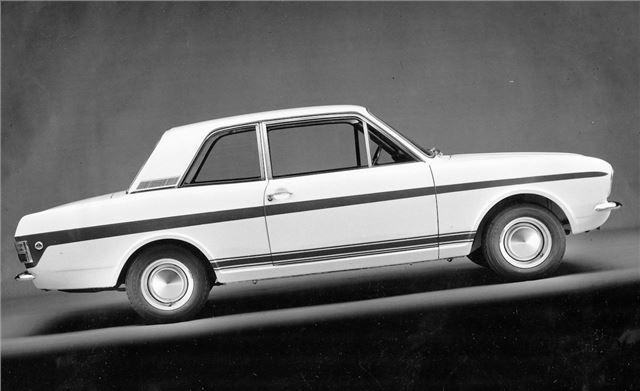 ford lotus cortina mk2 classic car review honest john. Black Bedroom Furniture Sets. Home Design Ideas