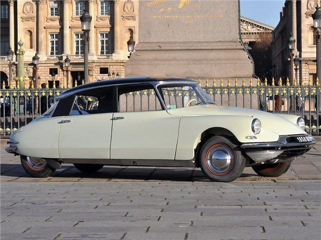 citroen ds19 id19 classic car review honest john rh classics honestjohn co uk citroen ds 19 cabriolet a vendre citroen ds 19 a vendre france