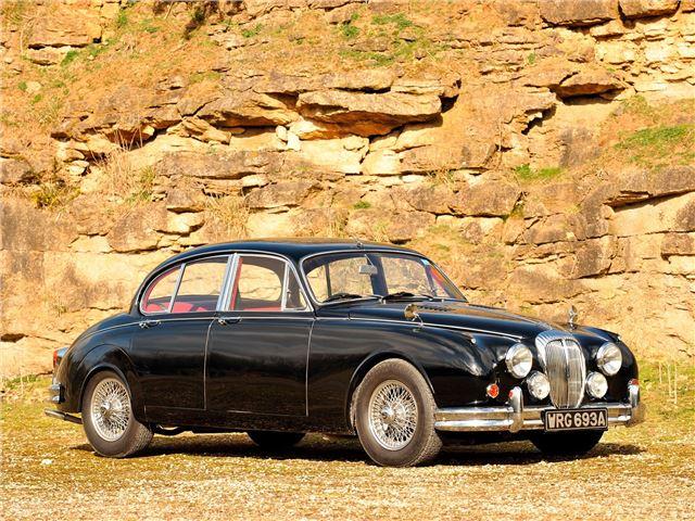 Adrian Flux Review >> Daimler V8 250 - Classic Car Review | Honest John
