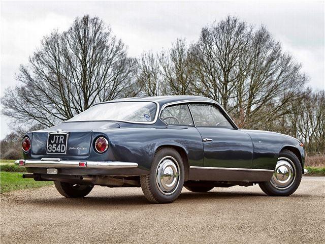 https://images.honestjohn.co.uk/imagecache/file/width/640/media/6200127/Lancia~Flaminia~Super~Sport.jpg
