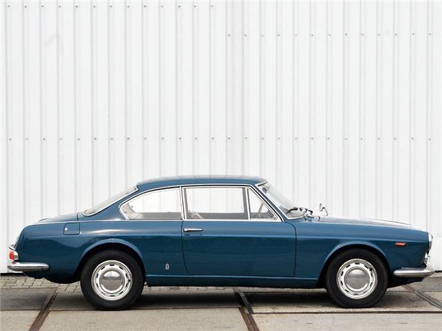 https://images.honestjohn.co.uk/imagecache/file/width/640/media/6207844/Lancia~Flavia~Coupe~(2).jpg