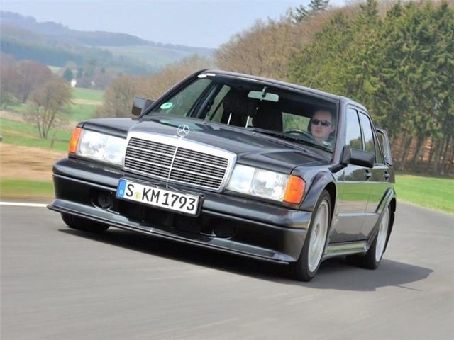 Mercedes-Benz 190E 2 3-16/2 5-16 - Classic Car Review - Buying Guide